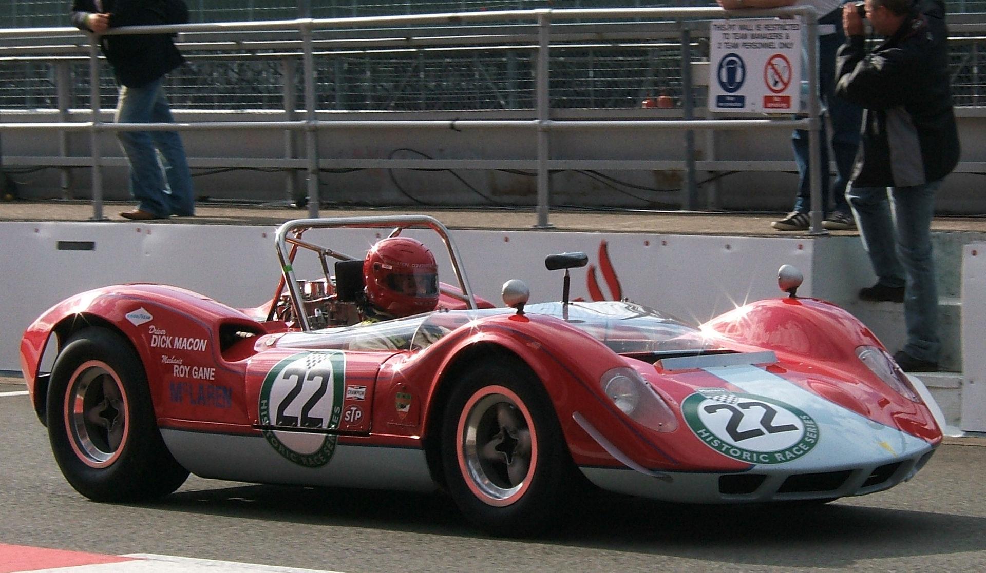 McLaren_M1A_at_Silverstone
