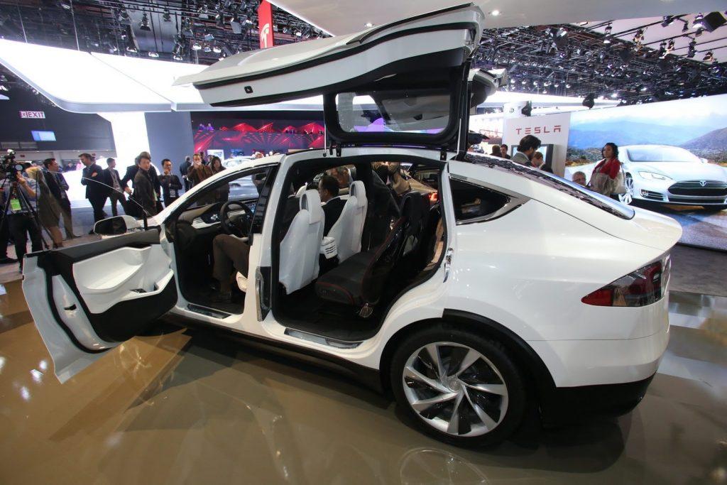 Tesla-Model-X-9[2]