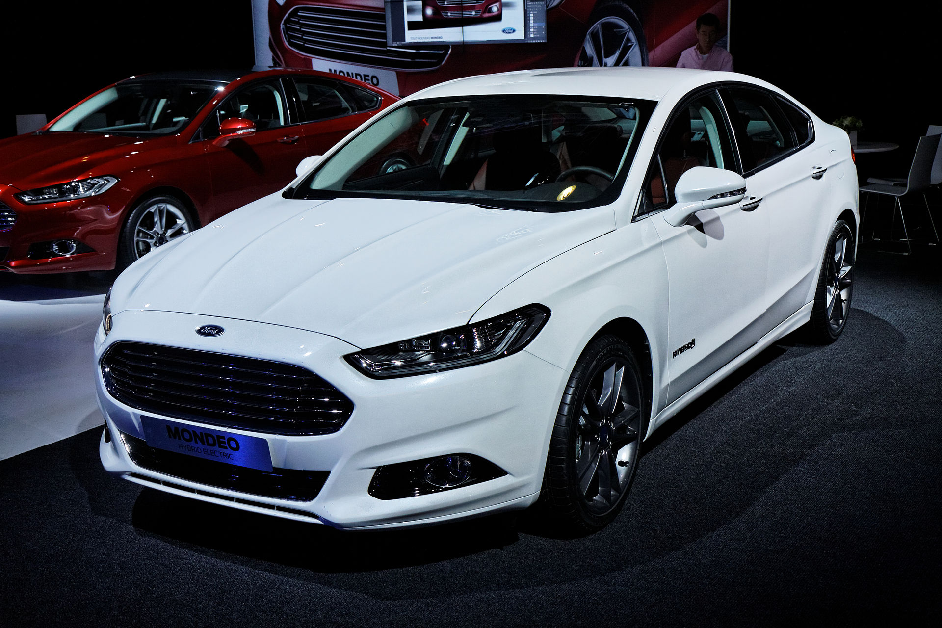 Ford_Mondeo_-_Mondial_de_l'Automobile_de_Paris_2012_-_001